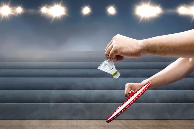 badmintonketcher og fjerbold